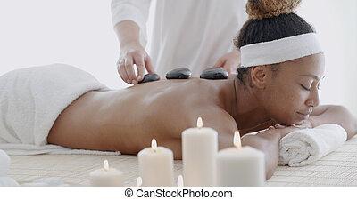 chaud, femme, pierre, masage, obtenir
