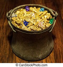 chaudière, à, or, et, pierres précieuses