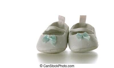 chaussures, s, bébé, tomber, blanc
