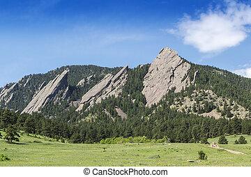 Chautauqua Park Boulder Colorado - Flatirons Climbing Rocks ...