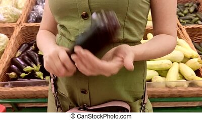 chauve-souris, femme, aubergine, elle, légumes, base-ball, tenant mains, jouer, marché