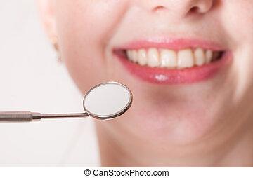 Check the teeth