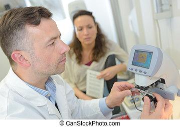checking the eyeglasses lenses grades