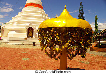 Chedi at the temple in Mae Hong Son
