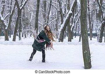woman just threw a snowball