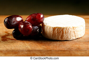 cheese brie and grape gourmet food