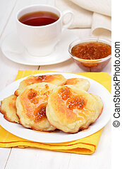 Cheese pancakes, confiture and tea cup - Sweet cheese ...