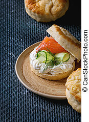 Cheese scones with salmon