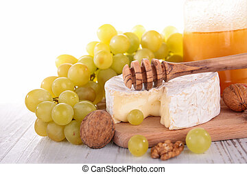 cheese with green grapes