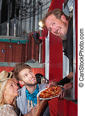 chef cuistot, à, pizza, à, nourriture, camion