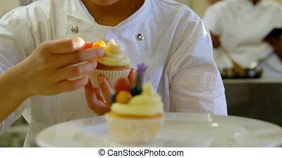 chef cuistot, garnishing, cuisine, muffins, 4k
