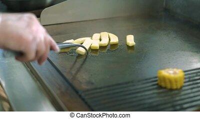 chef cuistot, prépare, cuisine, plats, restaurant