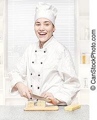 chef joven, corte, queso azul, en, cocina