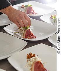 chef, piastra, decorare, antipasto