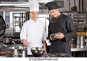 chefs, vorbereiten nahrung, in, kueche