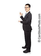 cheio, copyspace, mostrando, jovem, isolado, comprimento, fundo, retrato, homem negócios, branca