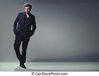 cheio, elegante, comprimento, trendy, homem, bonito