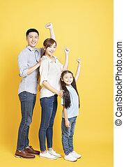 cheio, família, jovem, comprimento, asiático, feliz