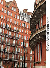 Chelsea - the curve of the buildings