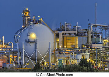 Chemical plant - Small part of a large chemical production ...