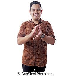 chemise, heureux, porter, batik, asiatique, mains, jeune homme, applaudir