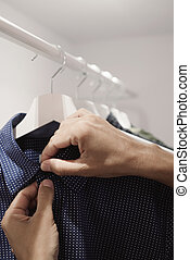 chemise, jeune, unhanging, pendre, ou, homme