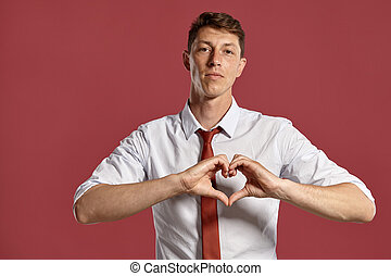 chemise rose, classique, sur, jeune, arrière-plan., poser, cravate, blanc rouge, homme