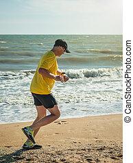 chemise, séance entraînement, casquette, jaune, exécute, base-ball, ocean., homme