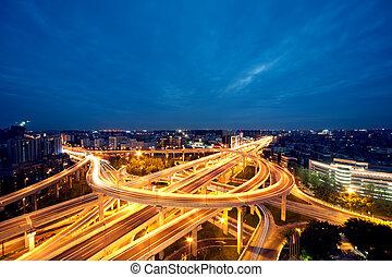 chengdu, porcelaine, ville, passage supérieur, soir