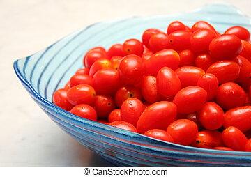 Cherry tomato in the bowl