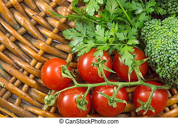 Cherry tomatoes with parsley and broccoli