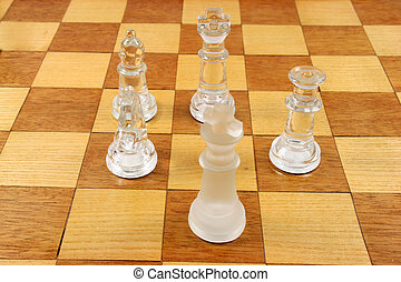 Chess Game - 5 Chess Pieces - Chess Game - 5 Glass Chess...