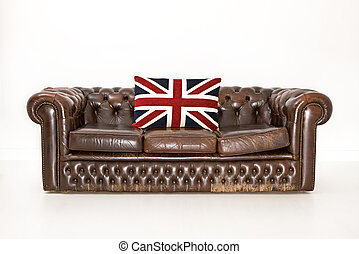 Chesterfield Couch - Chesterfield couch with union jack ...