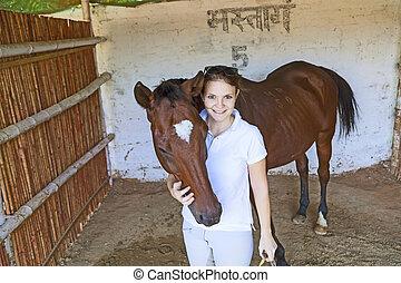 cheval, femme, étreindre, elle, écurie