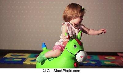 cheval, jouet, assied, enfant