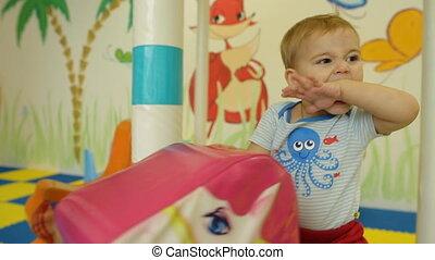 cheval, jouet, carrousel, enfant, équitation, sourire