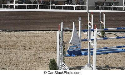 cheval, lent, barrière, professionnel, competition., sauter, haut, mouvement, jockey, par, horseback., fin, unrecognizable, mâle, promenades, galoper