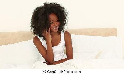chevelure, téléphone, dame a peau noire