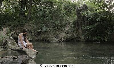 cheveux, bûche, séance, wets, long, eau, girl, rivière, pieds