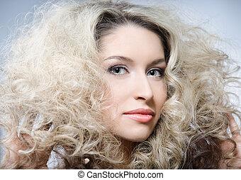 cheveux, bouclé