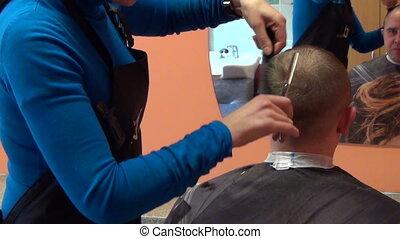 cheveux coupent, coiffeur, homme