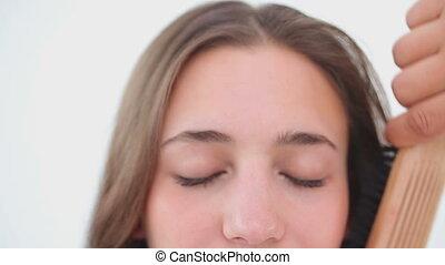 cheveux, elle, brossé, avoir, femme souriante