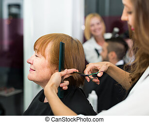 cheveux, femme, coupures, salon coiffure