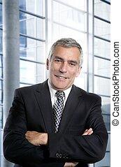 cheveux gris, homme affaires, intérieur, blanc, bureau