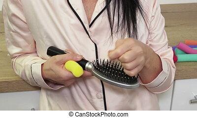cheveux, peigne, femme ménage