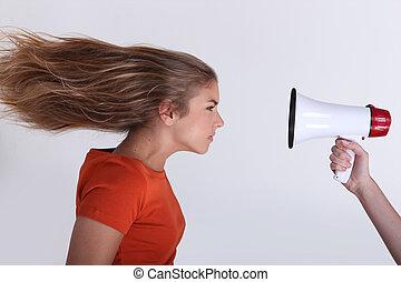 cheveux, porte voix, girl, arrière, soufflé