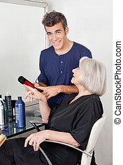 cheveux, produit, client, projection, coiffeur
