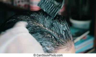 cheveux, sombre, coloration, coiffeur