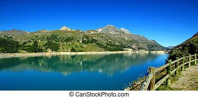 Chevril lake, France
