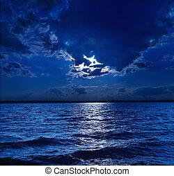 chiaro di luna, acqua, sopra